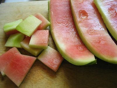 JUICING WATERMELON RINDS